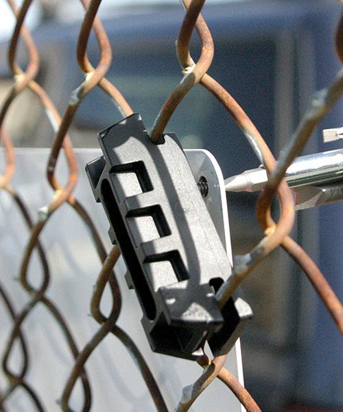 Tamper Resistant SignGuardian™ 10/24 Chain Link Fence Bracket