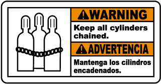Warning Keep all cylinders chained - Advertencia Mantenga los cilindros encadenados bilingual sign