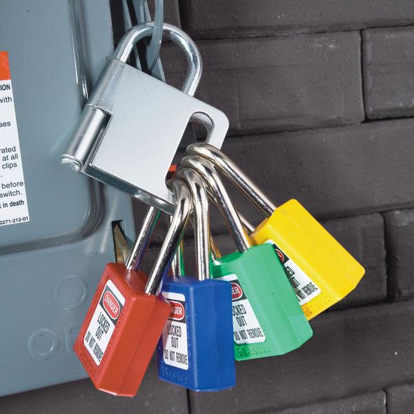 Master Lock Wedge Style 1/4 Turn Ball Valve Lockout S3476 C3203