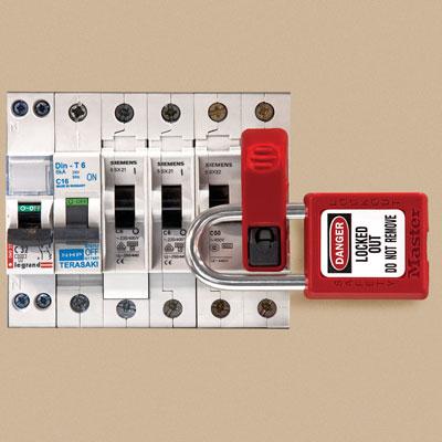Universal Miniature Circuit Breaker Lockout C3103