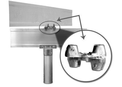 Universal bracket mounted on extruded blade