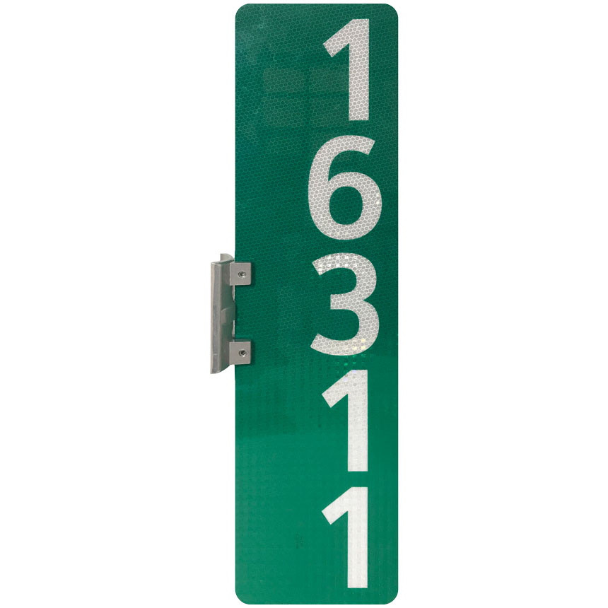 Wing bracket with vertical 911 address sign