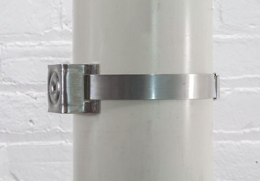 Mounted flared leg bracket